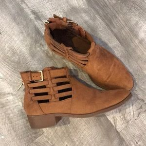 American Eagle ankle booties